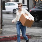 Emma Roberts Braves the Rain to Pick up a Package at UPS in LA 03/22/2018-3