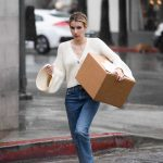 Emma Roberts Braves the Rain to Pick up a Package at UPS in LA 03/22/2018-4