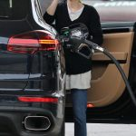 Emma Roberts Stops at a Gas Station to Fill up Her Porsche SUV in Los Angeles 03/13/2018-4