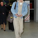 Gigi Hadid Arrives at the Charles de Gaulle Airport in Paris 03/27/2018-2
