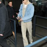 Gigi Hadid Arrives at the Charles de Gaulle Airport in Paris 03/27/2018-4