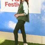 Hailee Steinfeld at the Hunter for Target Ultimate Family Festival at Brookside in Pasadena 03/25/2018-3