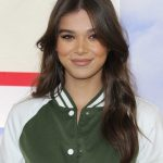 Hailee Steinfeld at the Hunter for Target Ultimate Family Festival at Brookside in Pasadena 03/25/2018-5