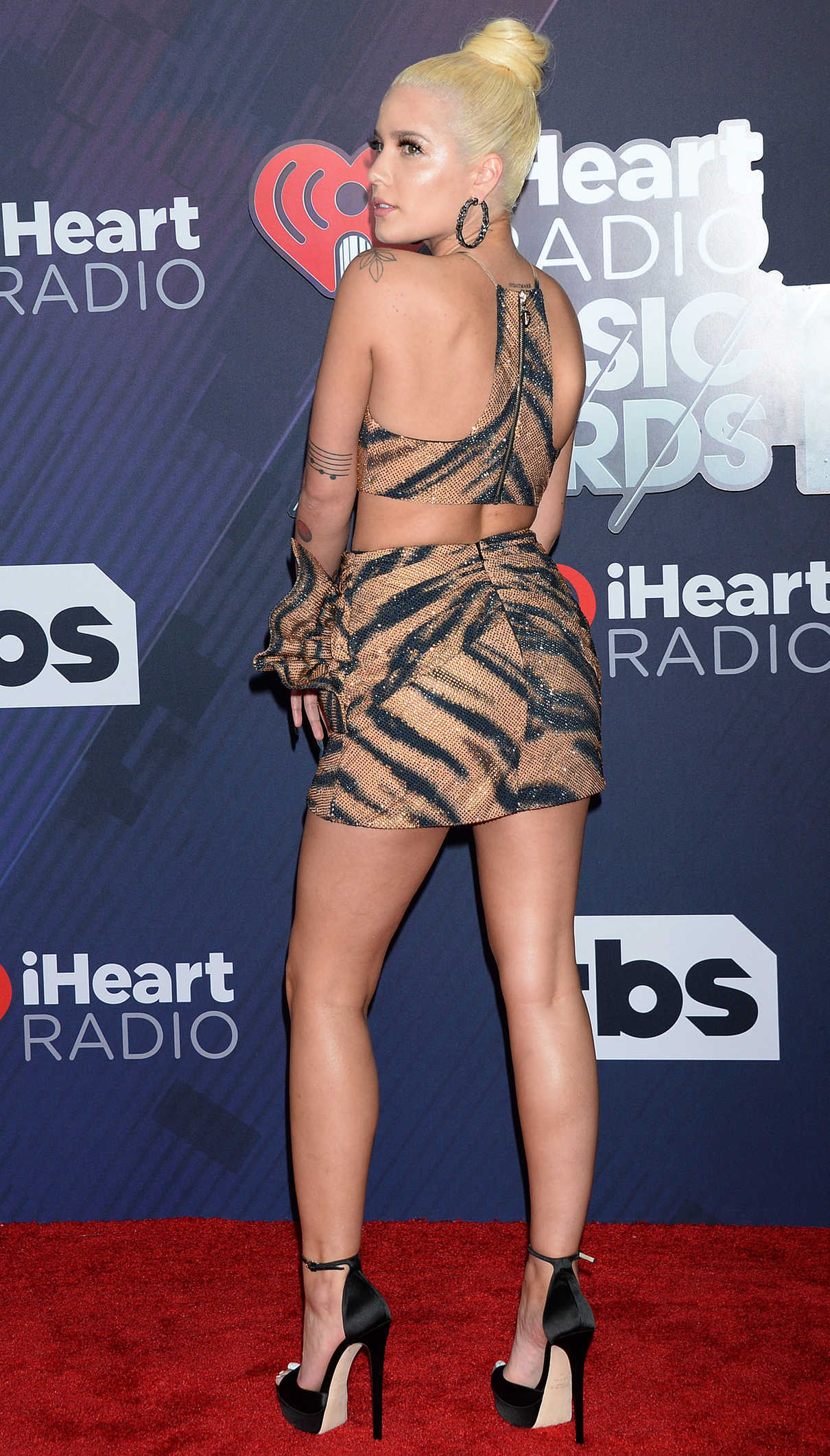 Halsey at 2018 iHeartRadio Music Awards in Inglewood 03/11/2018-2