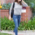 Jennifer Garner Wears a Blue Jeans Out in Brentwood 03/16/2018-3