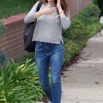 Jennifer Garner Wears a Blue Jeans Out in Brentwood 03/16/2018-4