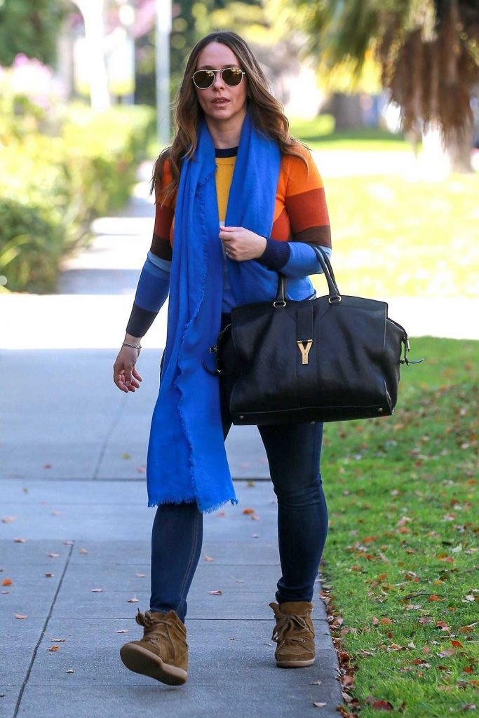 Jennifer Love Hewitt Was Spotted Out in Beverly Hills 03/17/2018-1