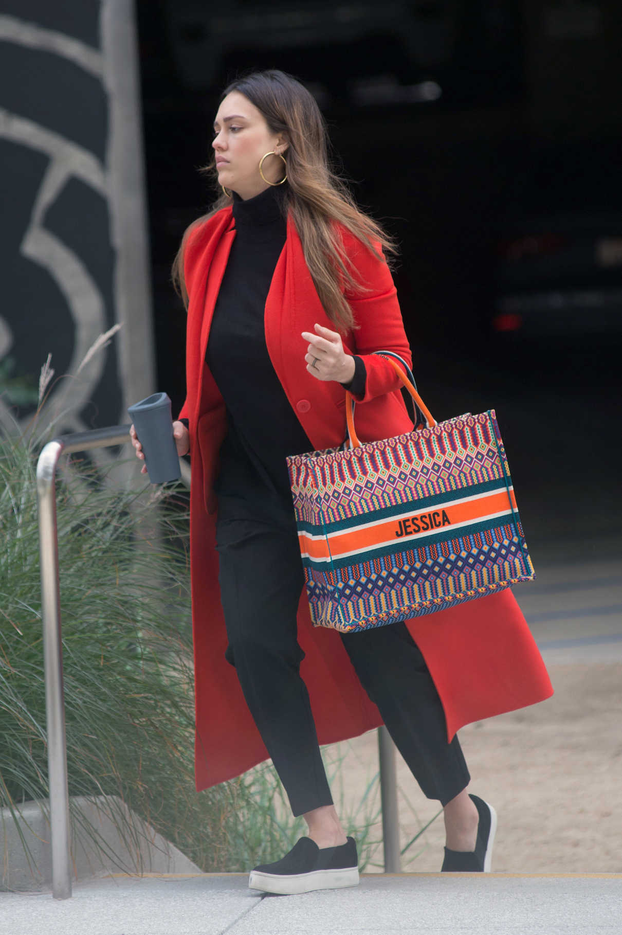 Jessica Alba Attends a Meeting in Los Angeles 03/01/2018-3