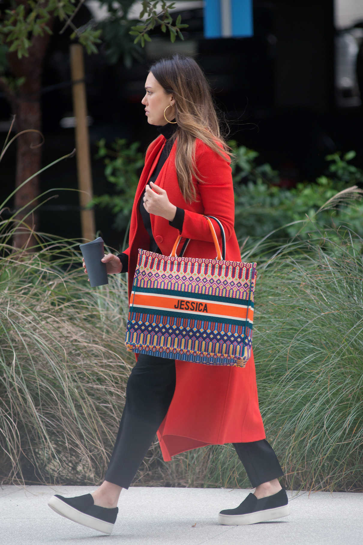 Jessica Alba Attends a Meeting in Los Angeles 03/01/2018-5
