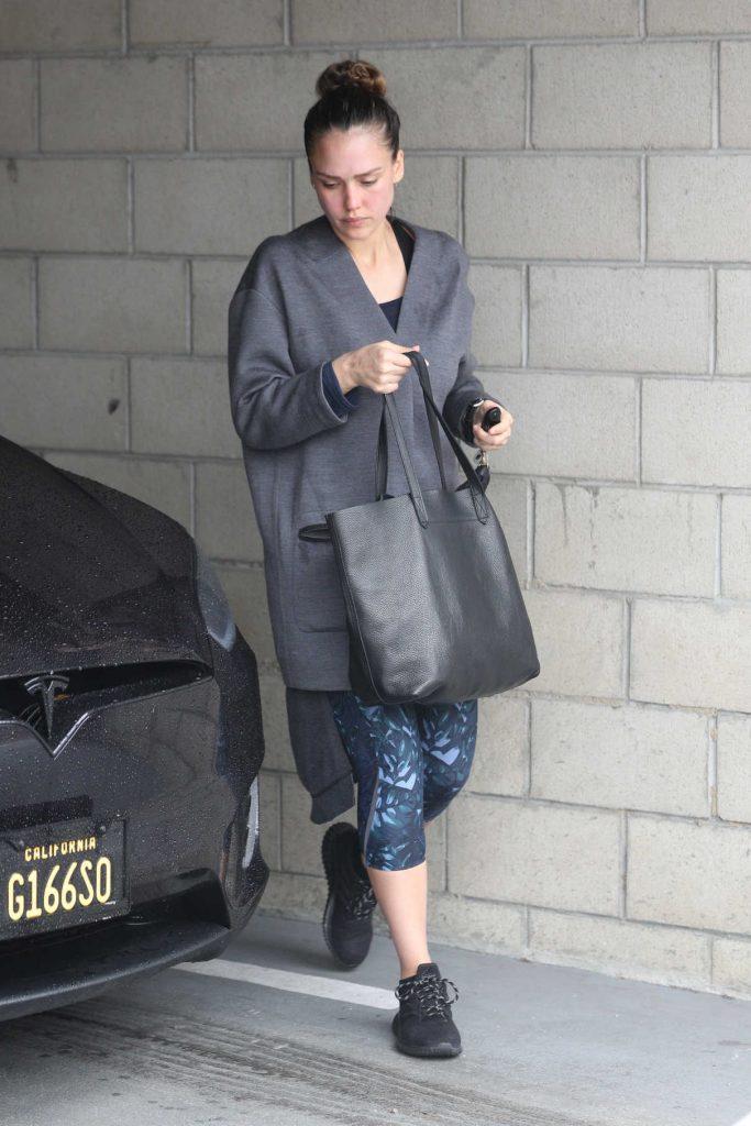Jessica Alba Hits the Gym in LA 03/10/2018-1