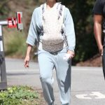 Jessica Alba Was Spotted Out for a Morning Walk in Los Angeles 03/03/2018-4