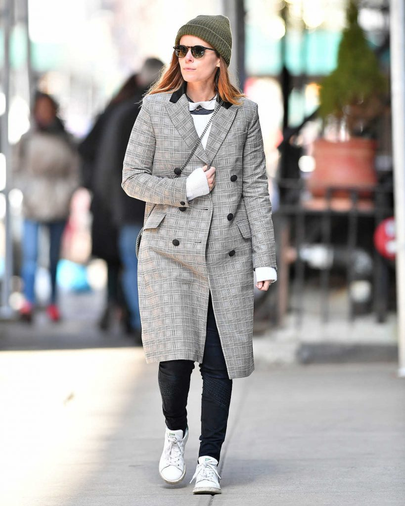 Kate Mara Wears a Plaid Coat Out in New York City 03/17/2018-1
