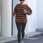 Miley Cyrus Goes to Party City in Porter Ranch 03/01/2018-2