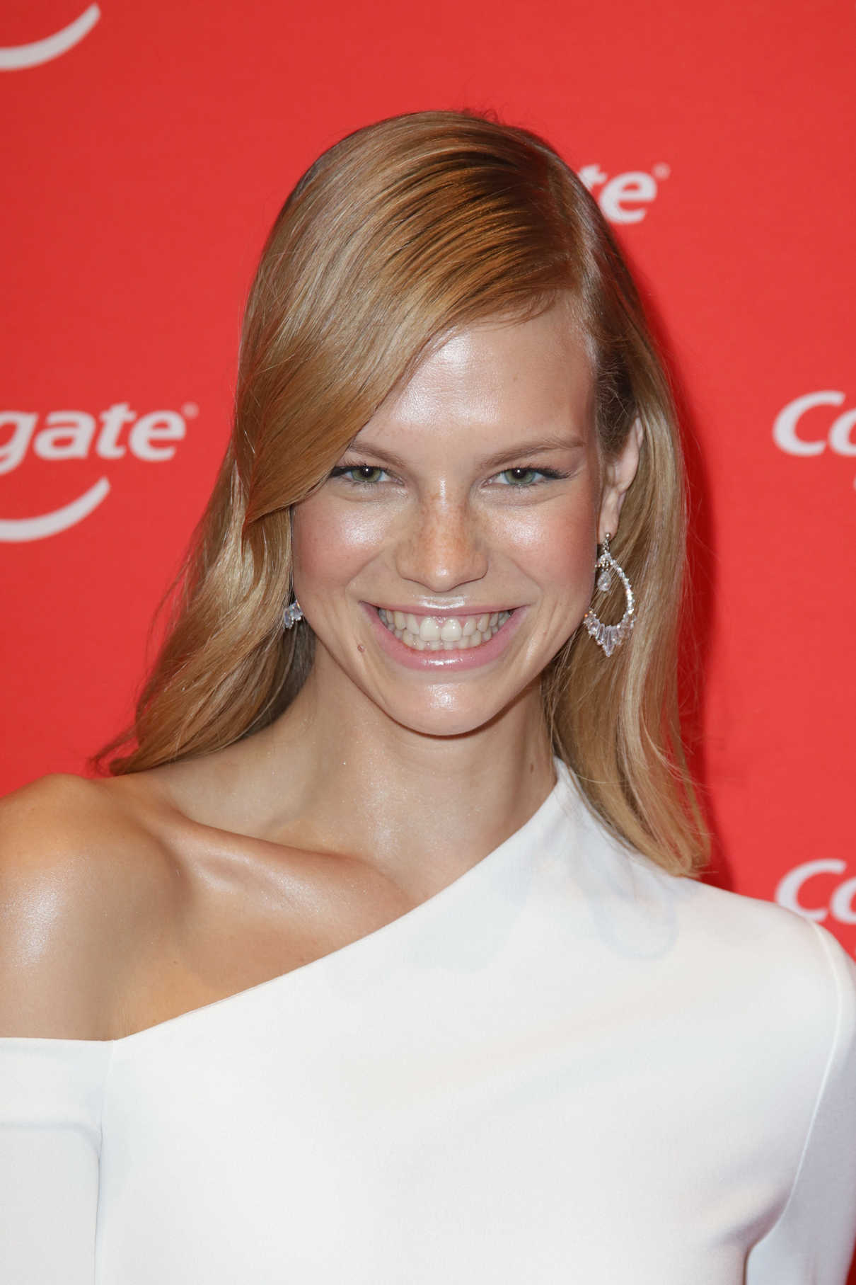 Nadine Leopold During the Colgate White Night at Apartimentum in Hamburg 03/08/2018-7