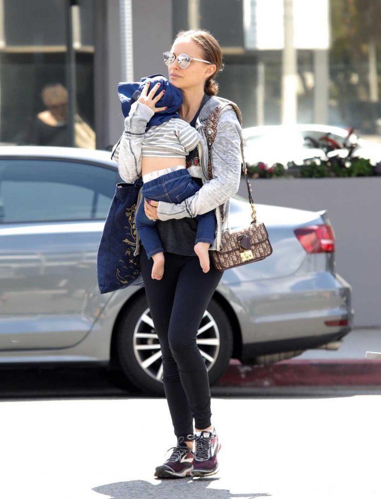 Natalie Portman Arrives at Vegetarian Restaurant in West Hollywood 03/23/2018-1