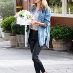 Alessandra Ambrosio Grabs Some Flowers for Easter with a Mystery Man in Los Angeles 03/31/2018-4