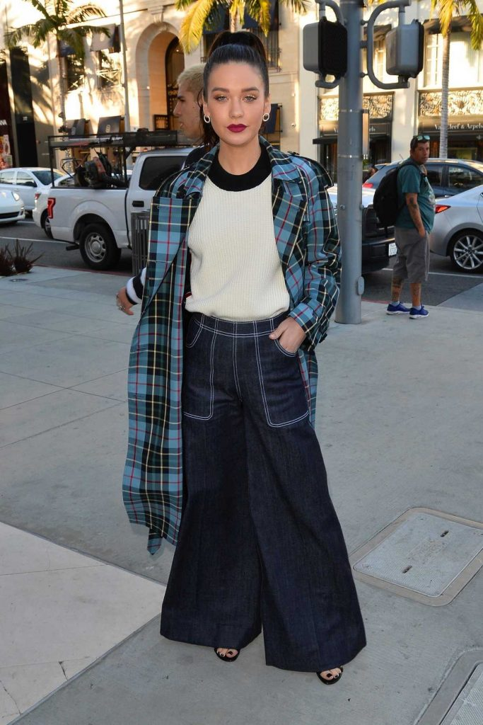 Amanda Steele Arrives at a Party at the Rodeo Drive Burberry Store in Beverly Hills 04/18/2018-1