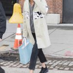 Gigi Hadid Arrives Home in NYC 04/02/2018-4