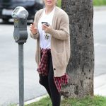 Hilary Duff Pays the Parking Meter in Los Angeles 04/07/2018-4