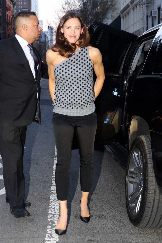 Jennifer Garner Was Seen Out in New York City 04/11/2018-1