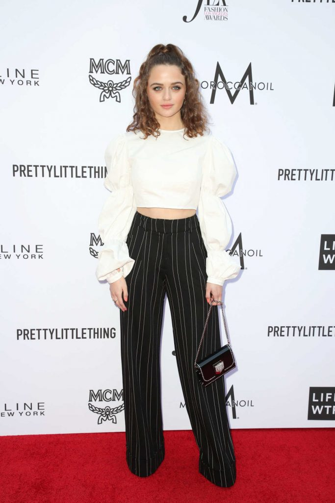 Joey King at the Daily Front Row Fashion Awards in Los Angeles 04/08/2018-1