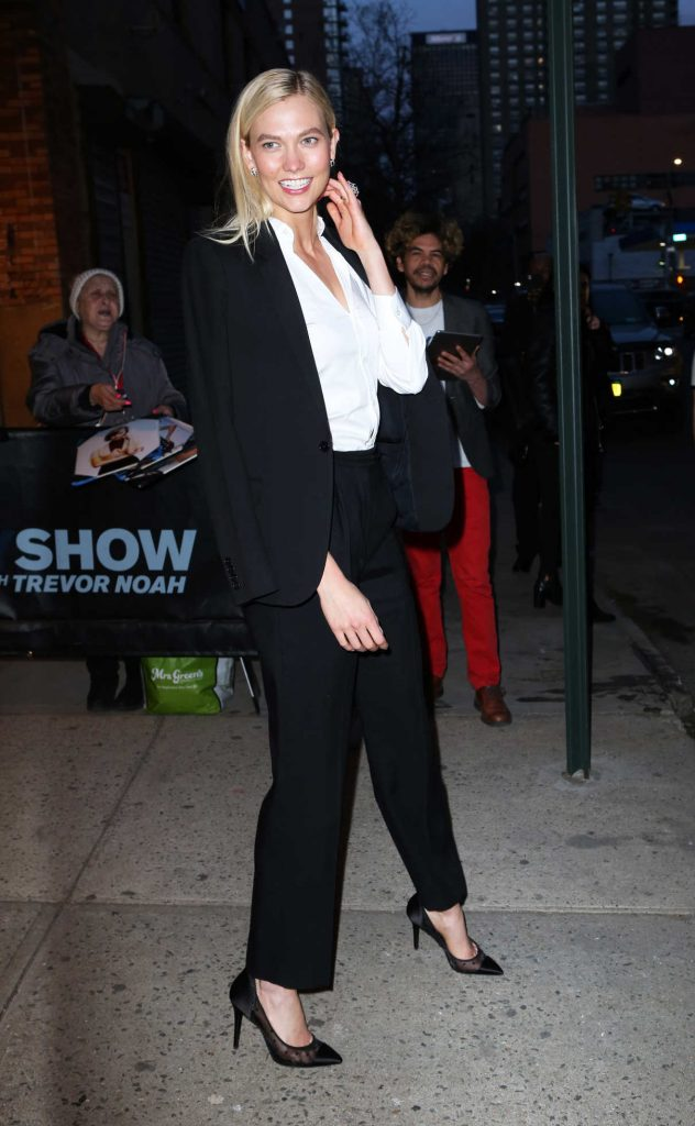 Karlie Kloss Arrives at The Daily Show with Trevor Noah in New York City 04/12/2018-1