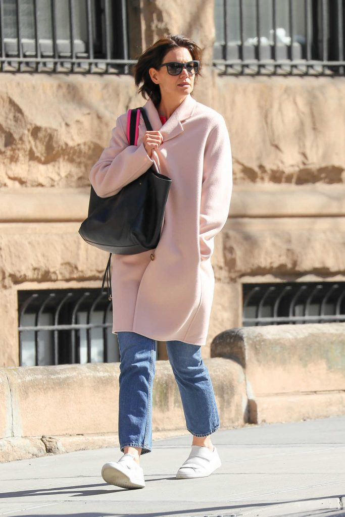 Katie Holmes Wears a Pink Pastel Coat Out in New York City 04/21/2018-1