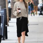 Dakota Johnson Picks up a Coffee in Los Angeles 05/18/2018-2