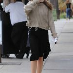 Dakota Johnson Picks up a Coffee in Los Angeles 05/18/2018-3
