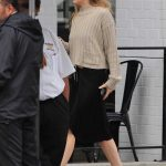 Dakota Johnson Picks up a Coffee in Los Angeles 05/18/2018-5