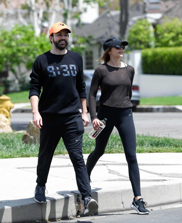 Elizabeth Olsen Leaves a Gym Session with Boyfriend Robbie Arnett in Los Angeles 05/03/2018-5