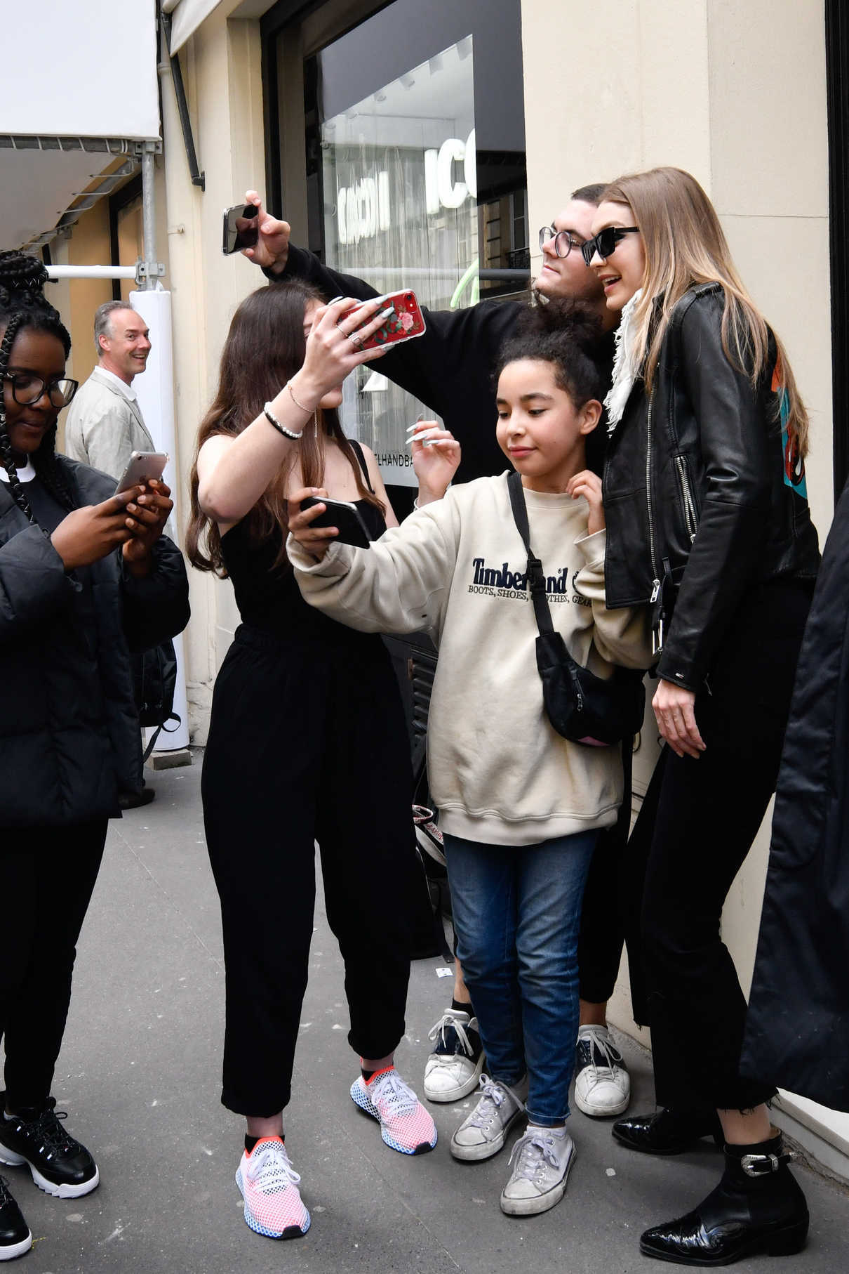 Gigi Hadid Leaves the Chanel Store in Paris 05/02/2018-3