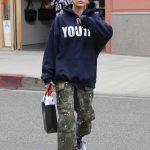 Hailey Baldwin Enjoys Some Shopping in the 90210 Area of Beverly Hills 05/18/2018-2