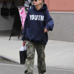 Hailey Baldwin Enjoys Some Shopping in the 90210 Area of Beverly Hills 05/18/2018-3