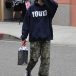 Hailey Baldwin Enjoys Some Shopping in the 90210 Area of Beverly Hills 05/18/2018-4