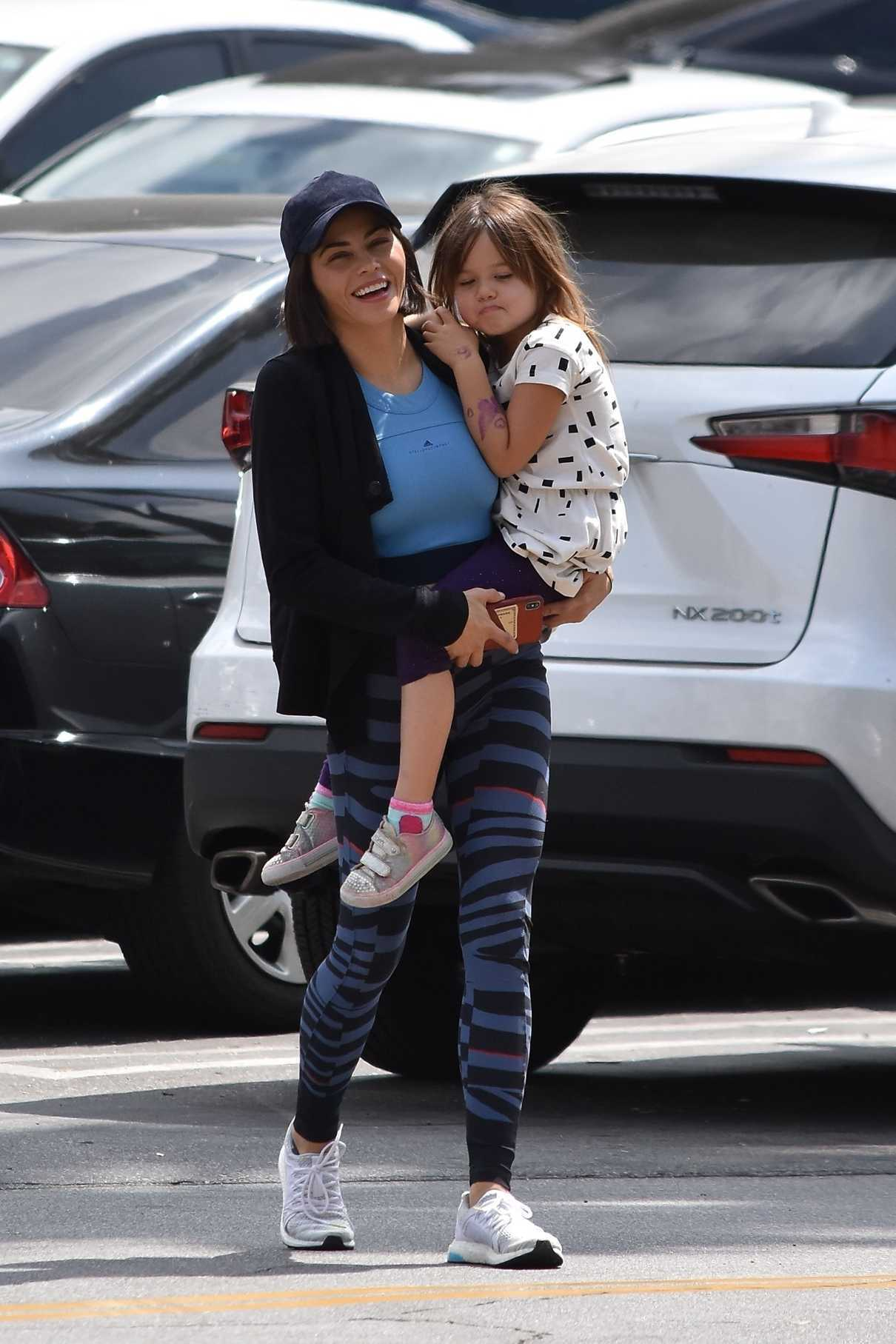 Jenna Dewan Goes to the Westfield Mall with Her Daughter Everly in Sherman Oaks 05/23/2018-1