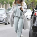 Jessica Alba Picks up Coffee in Beverly Hills 05/19/2018-3