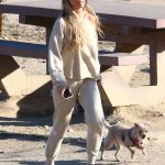 Joanna Krupa Heads Out to the Dog Park in Los Angeles 05/11/2018-3