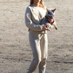 Joanna Krupa Heads Out to the Dog Park in Los Angeles 05/11/2018-4