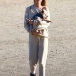Joanna Krupa Heads Out to the Dog Park in Los Angeles 05/11/2018-5