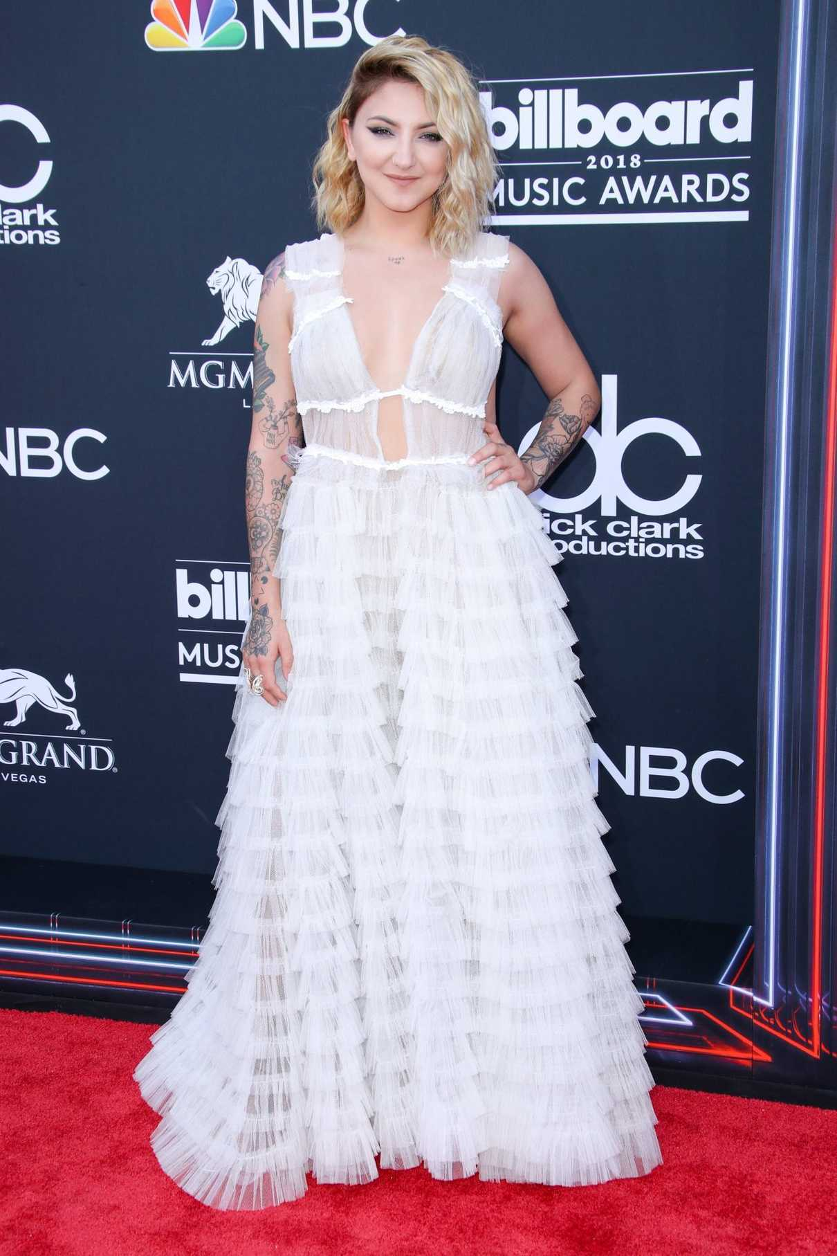 Julia Michaels at Billboard Music Awards in Las Vegas 05/20/2018-1