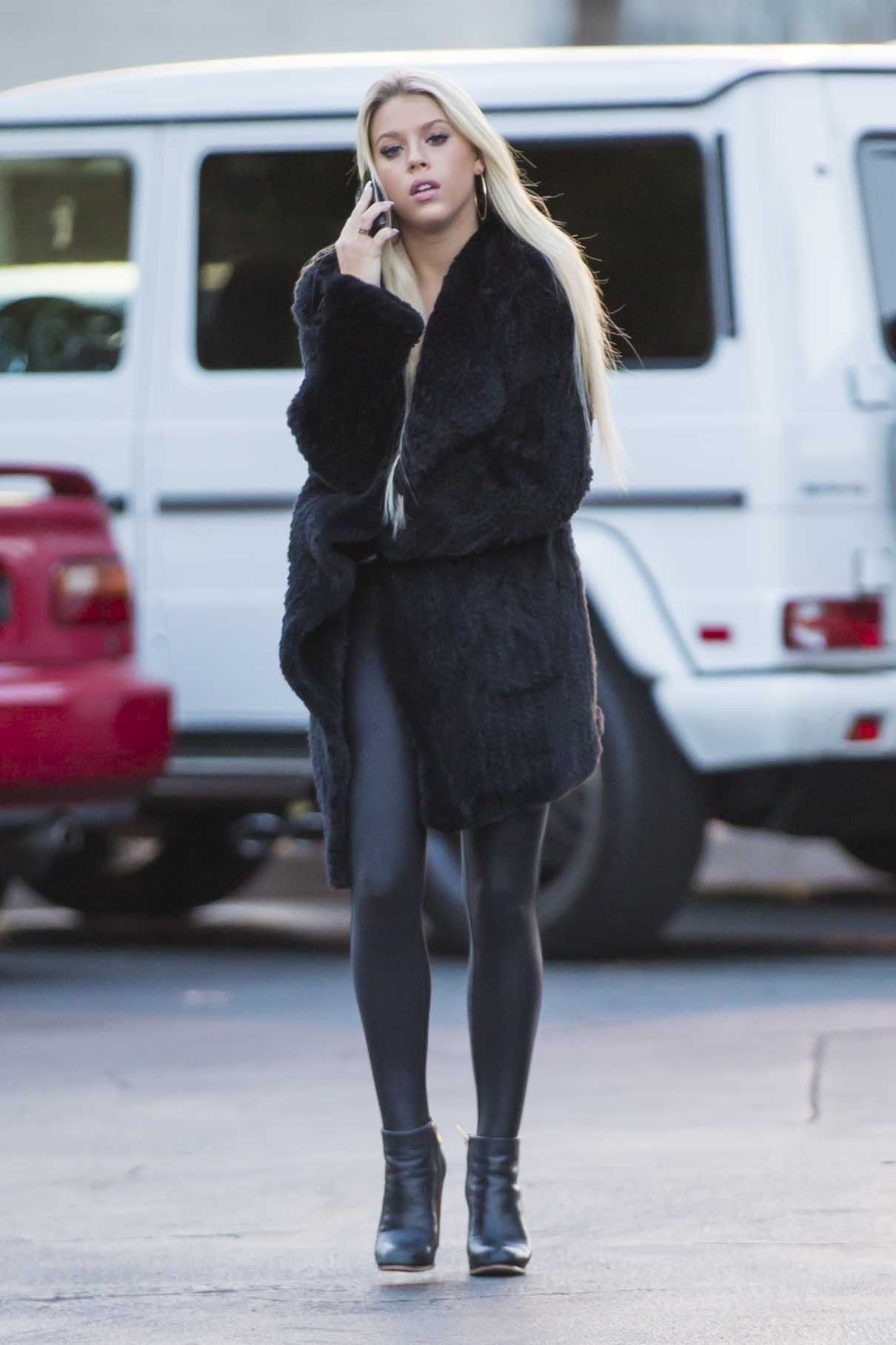 Kaylyn Slevin Was Seen Out in Calabasas 05/23/2018-1