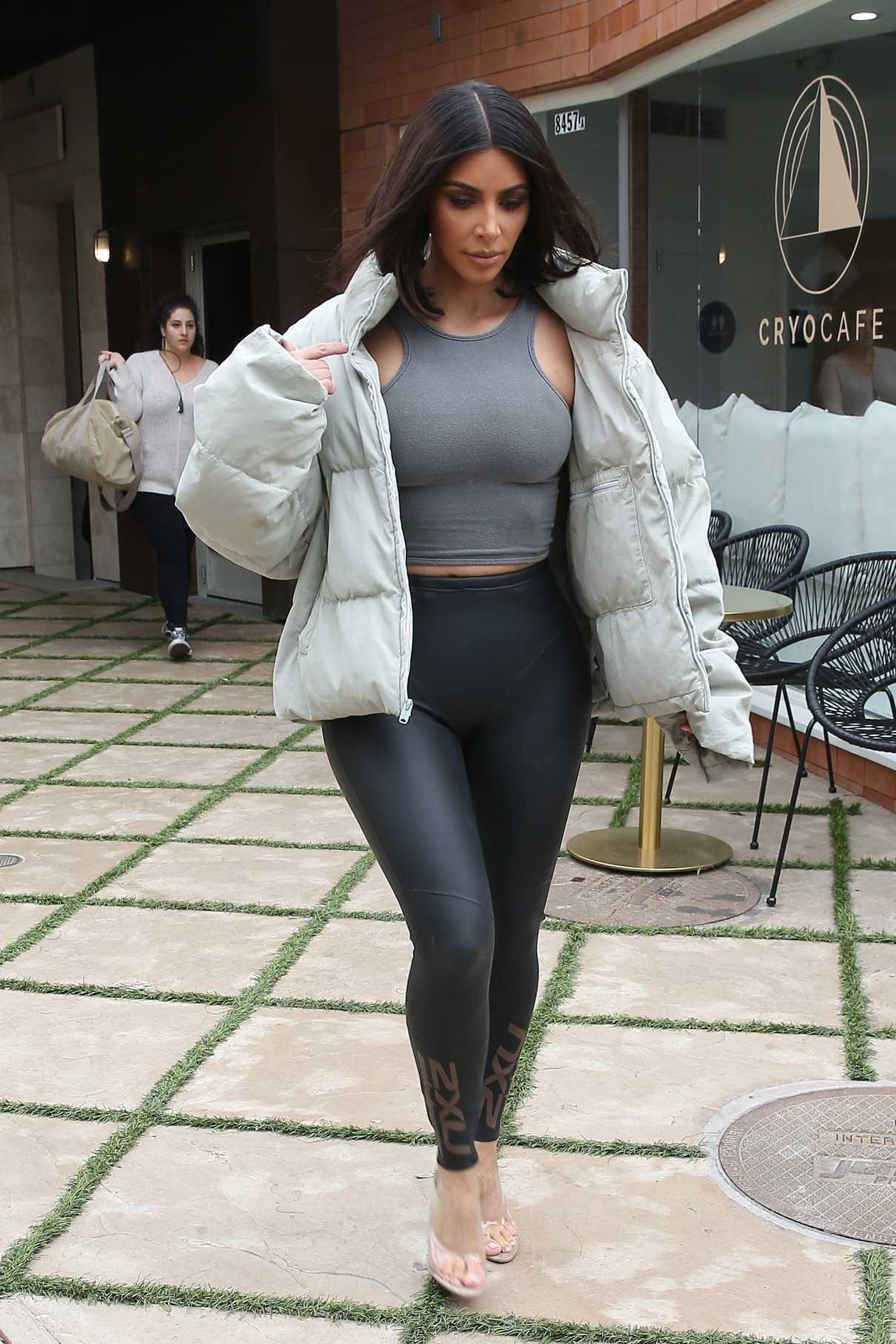 Kim Kardashian Was Seen Out in Calabasas 04/30/2018-4