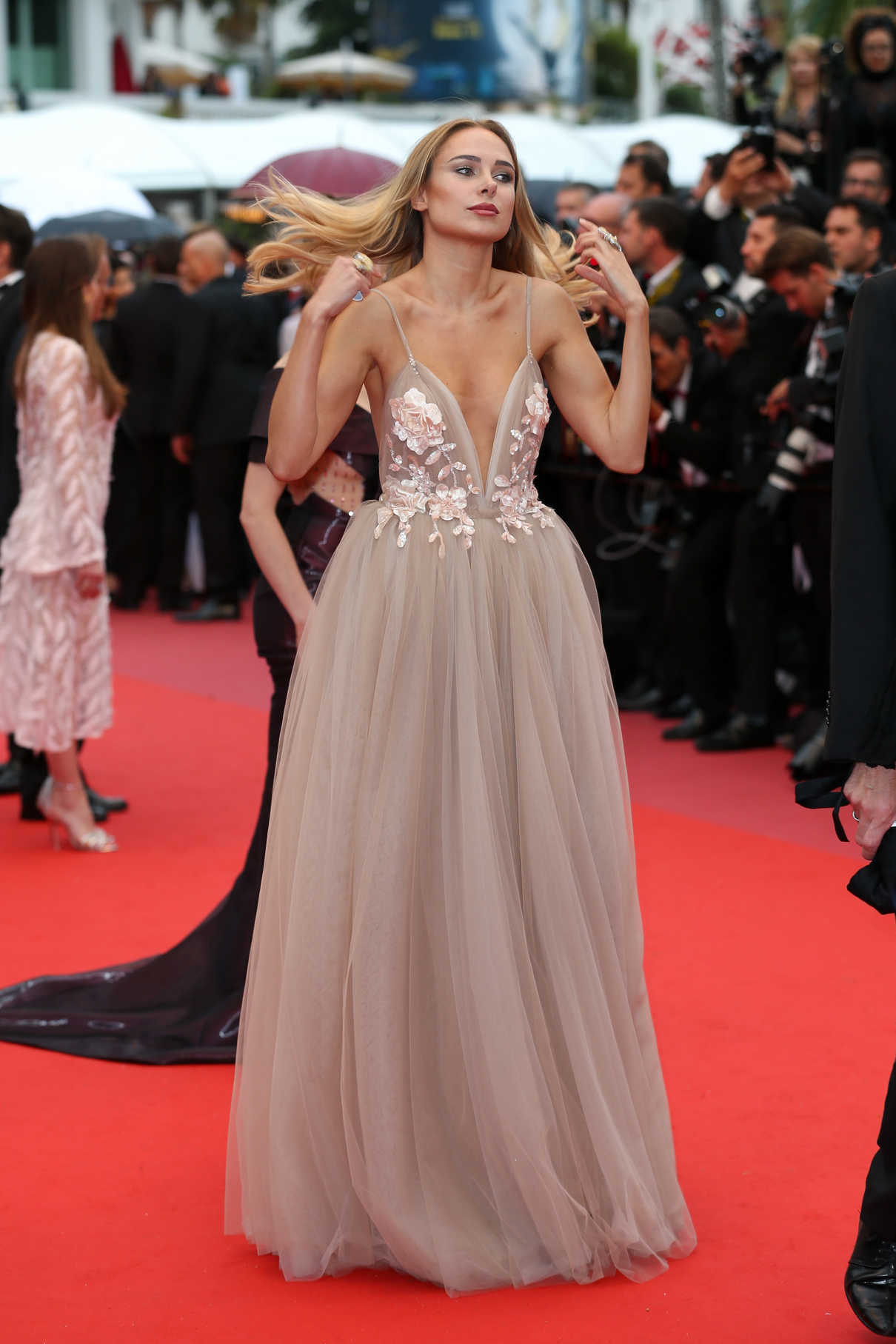 Kimberley Garner at the Burning Premiere During the 71st Cannes Film Festival in Cannes 05/16/2018-2
