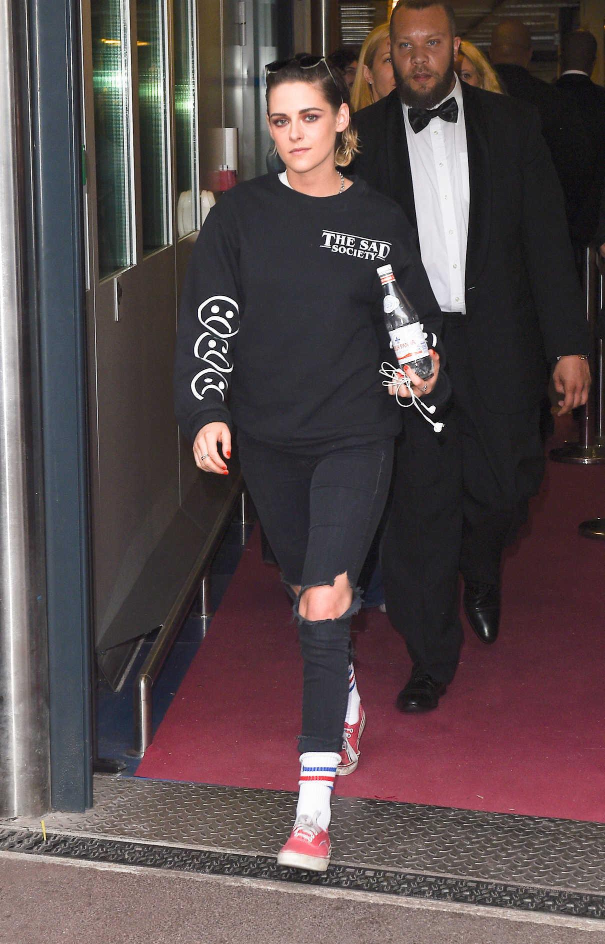Kristen Stewart Leaves the Palais de Festival in Cannes 05/14/2018-3