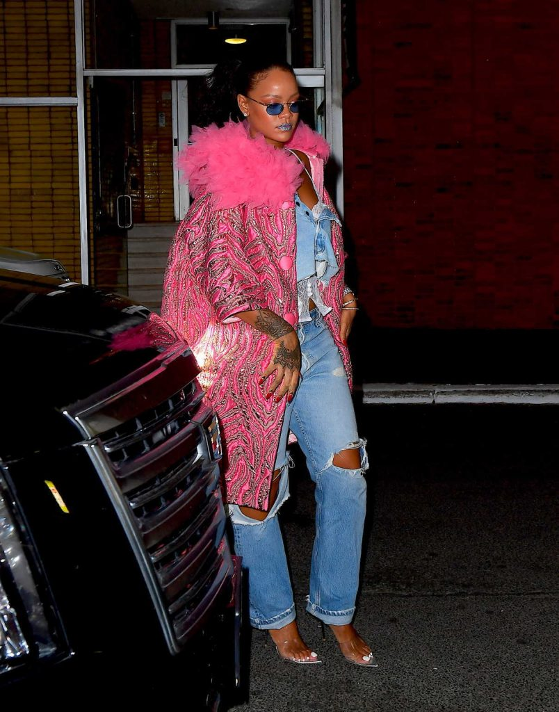 Rihanna Wears a Pink Coat as She Exits Her Hotel in New York City 05/05/2018-1