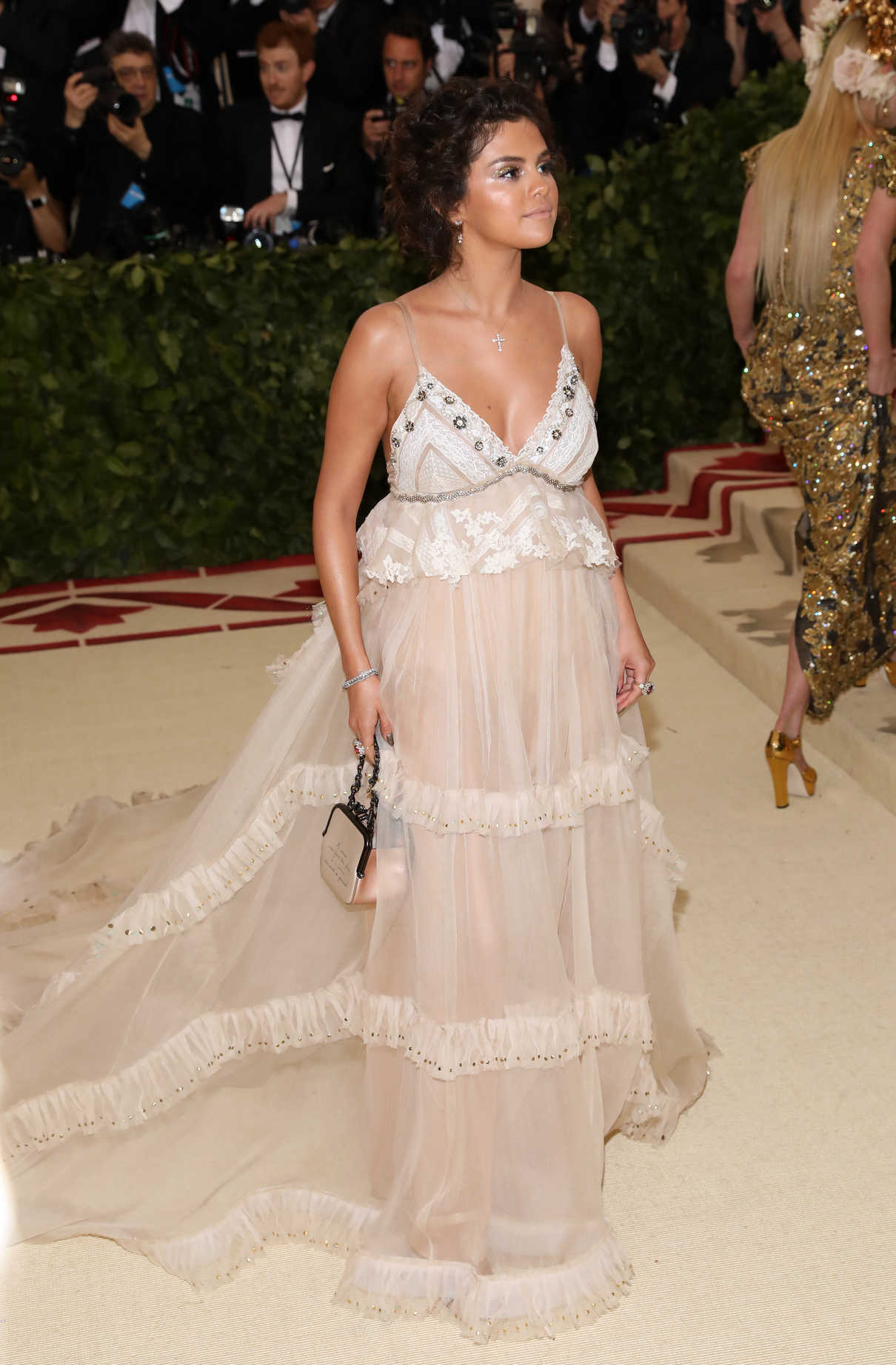 Selena Gomez at 2018 Heavenly Bodies: Fashion and The Catholic Imagination Costume Institute Gala in New York City 05/07/2018-3