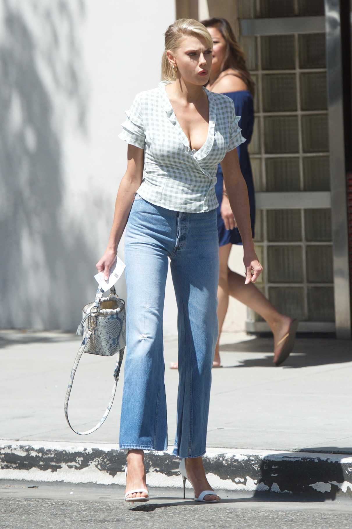 Charlotte McKinney Was Seen Out in Beverly Hills 06/01/2018-1