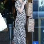 Dakota Johnson Leaves a Venice Beach Grocery Store in Los Angeles 06/17/2018-4