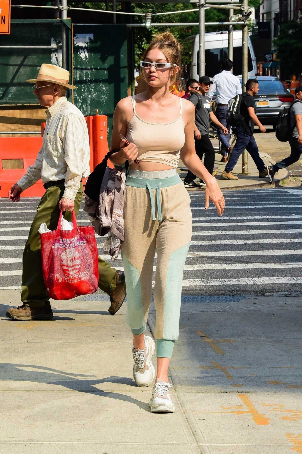 Gigi Hadid Was Seen Out in NYC 06/18/2018-1